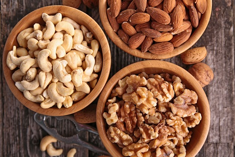 Wondering how to increasing iron levels quickly? Eat nuts!
