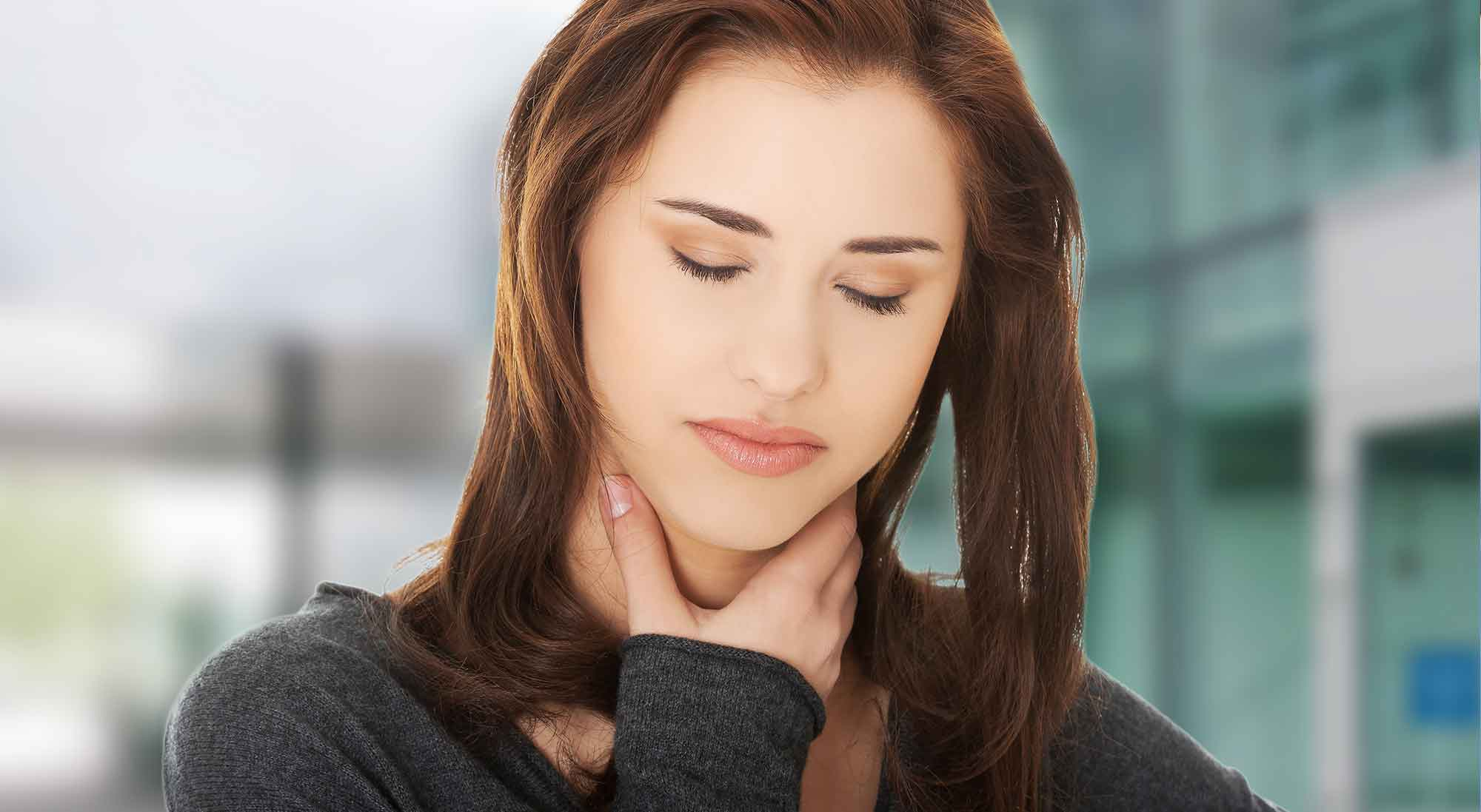Natural Remedies To Help With A Sore Throat