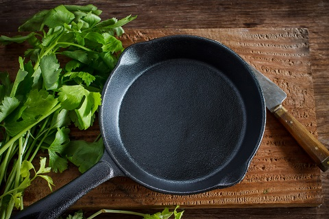 Natural ways to increase iron intake: cook with cast iron