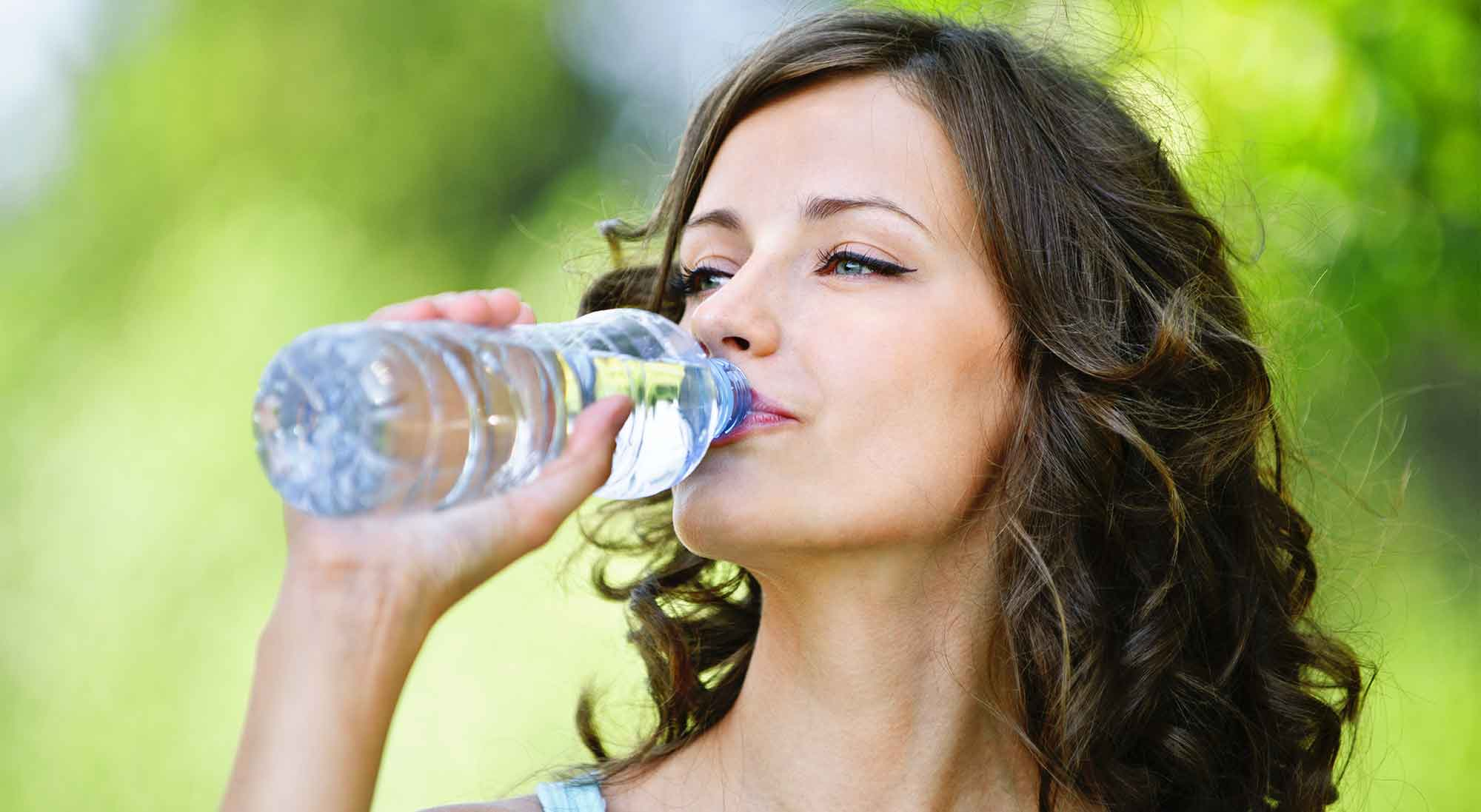 9 Reasons Why You Should Drink Water
